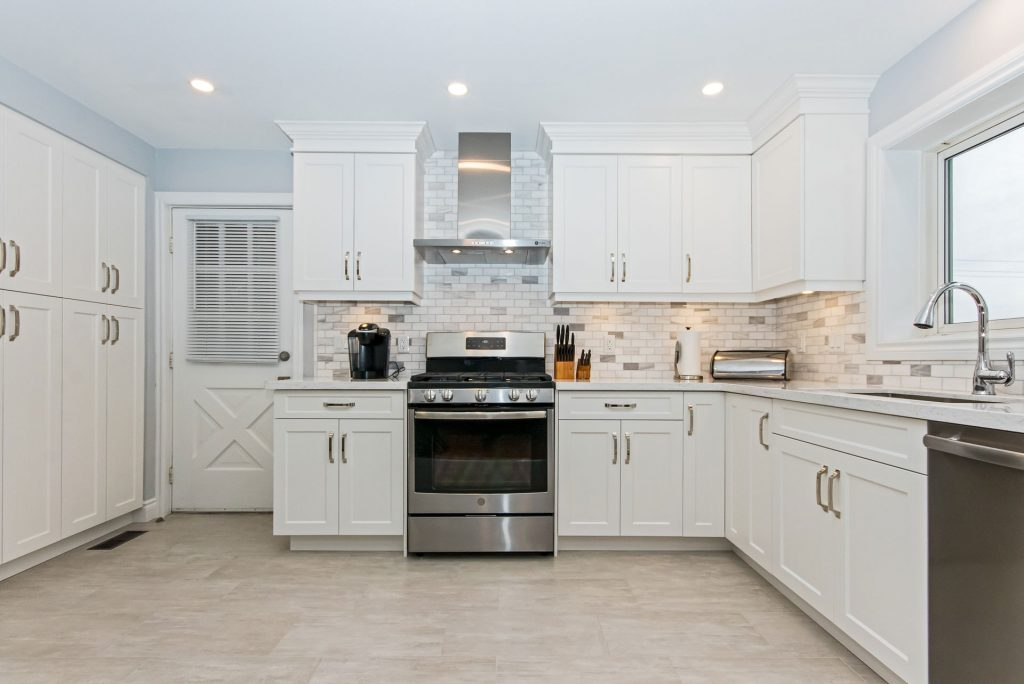 Fully Assembled Kitchen Cabinets vs. RTA Kitchen Cabinets